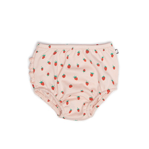 [oeuf layette 17ss] ruffle diaper cover_strawberries